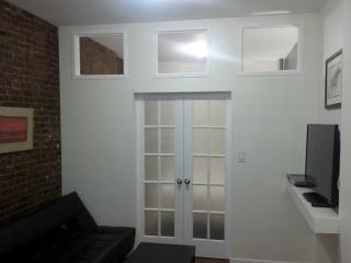 AMAZING 1 BED IN MIDTOWN WEST (HELL'S KITCHEN!) - New York City vacation rentals