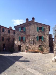 OCA GIULIVA Yellow - Terme PETRIOLO - Casale di Pari vacation rentals