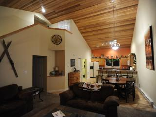 Bee Mystic Chalet - WiFi, Xbox, HDTV, hottub - Big Sky vacation rentals