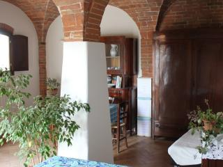 Nice Bed and Breakfast with Internet Access and A/C - Capannoli vacation rentals