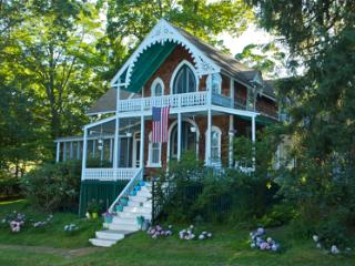 Large 4 Bdrm Home in Shelter Island Heights, Inclu - Shelter Island vacation rentals