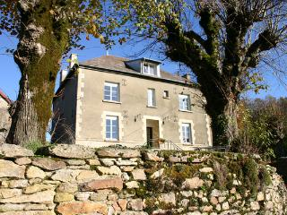 Beautiful 5 bedroom Bed and Breakfast in La Souterraine - La Souterraine vacation rentals