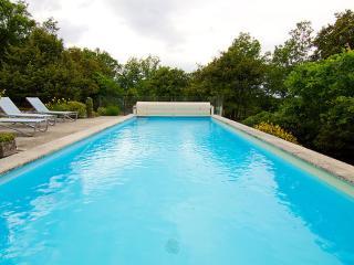 Apartment, Bonnieux ~ RA28190 - Bonnieux vacation rentals