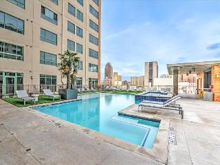 Stay Alfred Your Home Base Near the River Walk VS2 - San Antonio vacation rentals