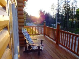 Beautiful Chalet with Deck and Internet Access - Blairmore vacation rentals