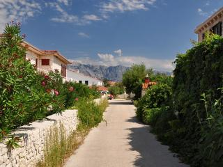 0401POVL A1 Narančasti(2+1) - Povlja - Sumartin vacation rentals