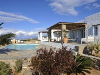 Cozy 5 Bedroom Villa in Paros - Paros vacation rentals
