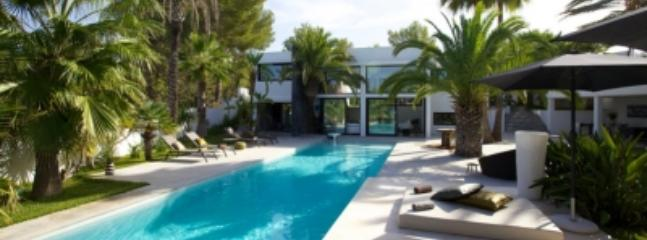 Delightful 5 Bedroom Villa in Ibiza - Ibiza vacation rentals