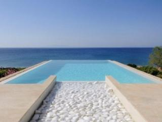 Quaint 3 Bedroom Villa in Paros - Paros vacation rentals