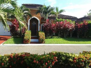 EcoVida Casa Wave Walkers (Private Pool) in Playa Bejuco - Playa Bejuco vacation rentals