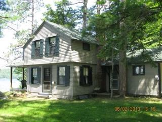 Waterfront Sleeps 8 and Allows Pets (BEN38Wlr) - Moultonborough vacation rentals