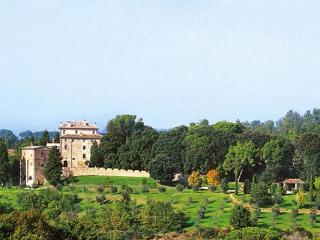 2-floor casale recently refurbished. 6 miles from Perugia. HII IPC - Bevagna vacation rentals