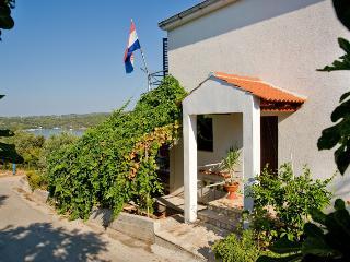 2 bedroom Condo with Internet Access in Necujam - Necujam vacation rentals