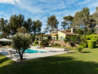 Agarrus Rocher- 4 Bedroom Villa with a Terrace and - Aix-en-Provence vacation rentals