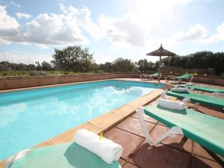 Cozy 3 bedroom Finca in Campos with Internet Access - Campos vacation rentals