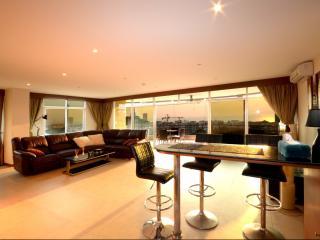 Absolute Luxury 3 Bedroom Condo 7th Floor 230sqm - Pattaya vacation rentals