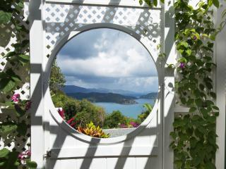 IT MUST HAVE BEEN MOONGLOW ! - Coral Bay vacation rentals