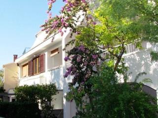 CityCenter apartment ANNA A2+2, 100 m beach - Makarska vacation rentals