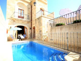Gorgeous Private Pool Fully Equipped AC Free WIFI - Sanat vacation rentals