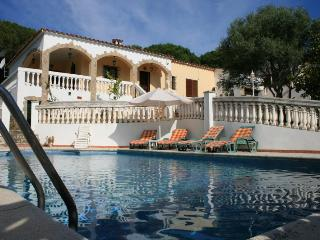 Villa with BIG Swimming Pool - CLEMENTE - L'Escala vacation rentals