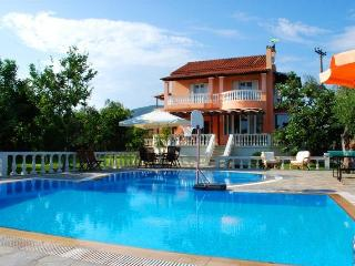 Family Villa house with private pool - Halikounas vacation rentals