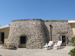 Pajara Psyche & Amore - Pescoluse vacation rentals