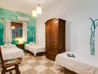 2 bedroom Apartment with Garden in Guejar Sierra - Guejar Sierra vacation rentals
