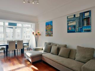 Bright Condo with Internet Access and Washing Machine - Lisbon vacation rentals