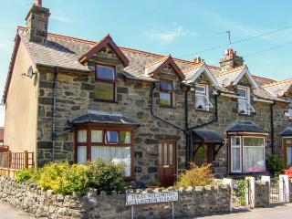 Lovely 3 bedroom Cottage in Barmouth with Internet Access - Barmouth vacation rentals