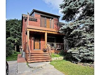 A Perfect Cottage Setting in the Heart of the City - Toronto vacation rentals