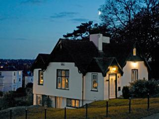 THE Famous House in Tunbridge Wells. - Royal Tunbridge Wells vacation rentals