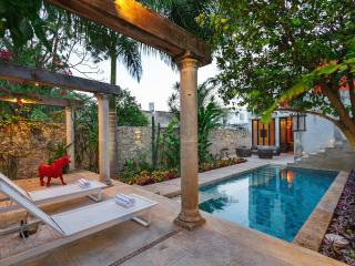High-style colonial escape in central Mérida - Merida vacation rentals