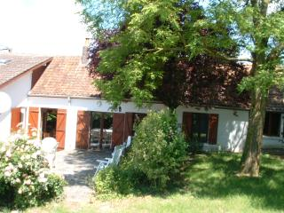 Detached three bedroomed  cottage.with grounds. - Buigny-Saint-Maclou vacation rentals
