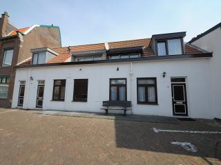 Comfortable Apartment with Balcony and Central Heating - Scheveningen vacation rentals