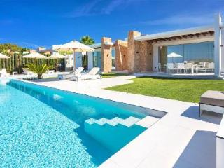 Contemporary Villa Sunset boasts Sea Views, a Spectacular Pool & Terrace - Cala Tarida vacation rentals