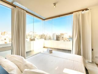 Lovely 1 bedroom Apartment in Sliema - Sliema vacation rentals
