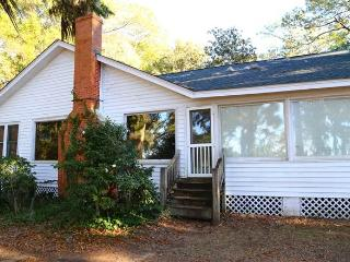 "8584 Peter's Point Rd -""Squirrel's Nest""-Edisto Is - Edisto Island vacation rentals"