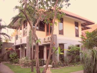 Cozy Villa with Internet Access and A/C - Kuta vacation rentals