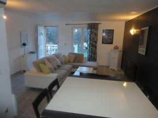 Villa4CH,CLIM+BBCUE+terrass+10 persons 550 à900€S - Nîmes vacation rentals