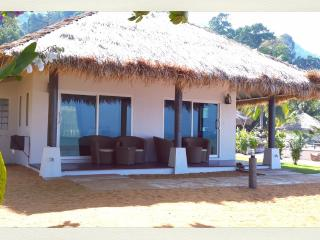 SERENITY FAMILY BEACHFRONT BUNGALOW - Koh Chang vacation rentals