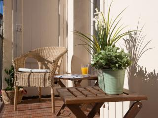 CITY CENTER FLAT FIRA I - Barcelona vacation rentals