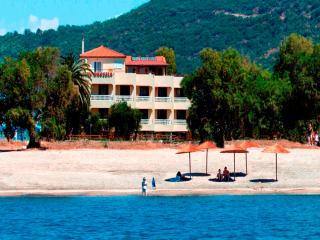 Gythion villadrossia beachfront family appartment - Aghios Nikolaos vacation rentals