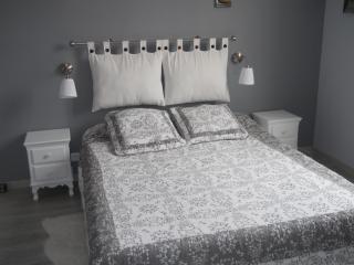 """Chambre meublée """"Zen"""" - Saint-Andre-De-Cubzac vacation rentals"""