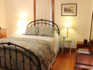 Romantic 1 bedroom Washington Bed and Breakfast with Internet Access - Washington vacation rentals