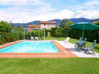 Villa with private Pool - Capannori vacation rentals