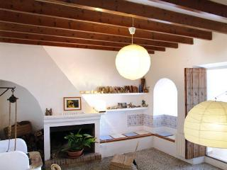 Beautiful country village house in Mallorca - Montuiri vacation rentals