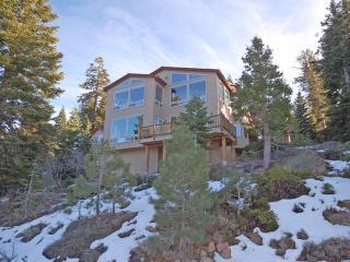 Beautiful House with Deck and Television - South Lake Tahoe vacation rentals