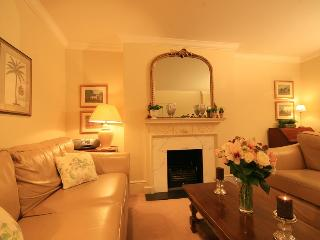 High Quality South Kensington 2 Bedroom Apartment - London vacation rentals