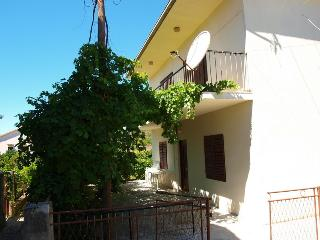 Apartments - Nevenka Vinišće - Mastrinka vacation rentals