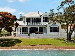 Gorgeous 2 bedroom Russell Bed and Breakfast with Internet Access - Russell vacation rentals
